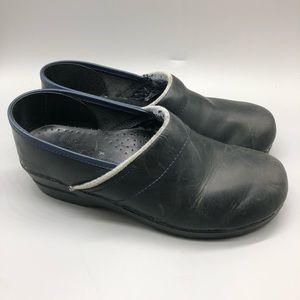 Dansko black leather comfort clogs